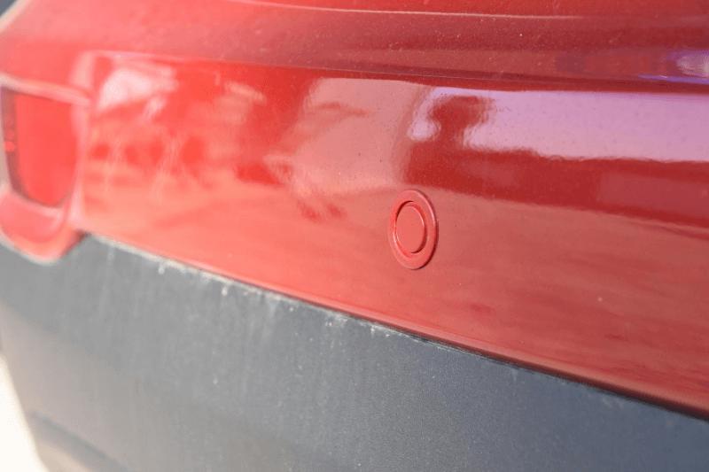 התקנת חיישני רברס לשמירה יתרה על הרכב שלך ממכות